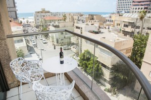 tlv2gojonahapartmentsonebedroombalcony1